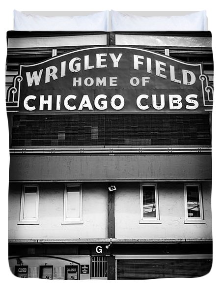 Wrigley Field Chicago Cubs Sign In Black And White Duvet Cover by Paul Velgos