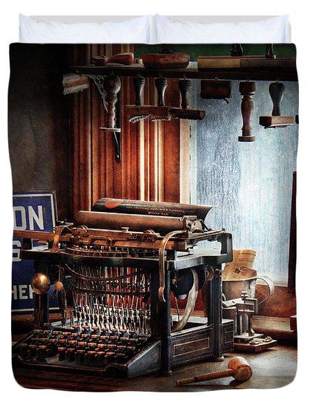 Writer - Typewriter - The Aspiring Writer Duvet Cover by Mike Savad
