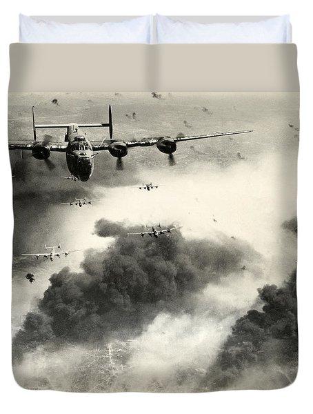 Wwii B-24 Liberators Over Ploesti Duvet Cover