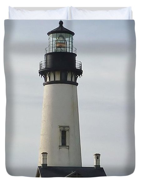 Duvet Cover featuring the photograph Yaquina Bay Lighthouse by Susan Garren