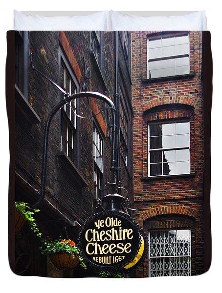 Ye Olde Pub Duvet Cover