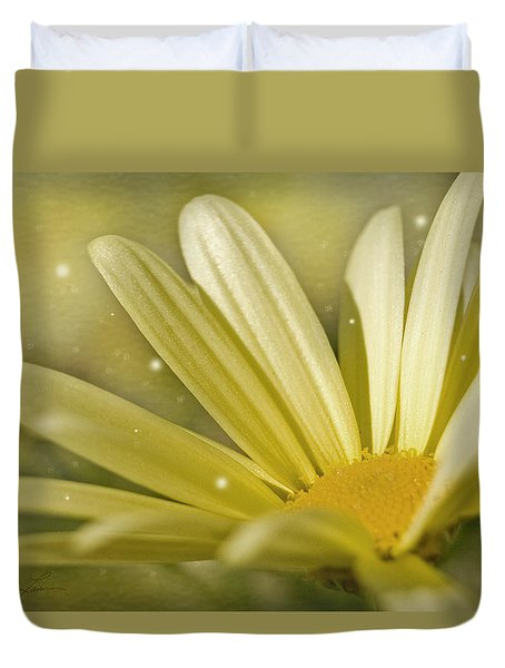 Yellow Daisy Duvet Cover by Ann Lauwers