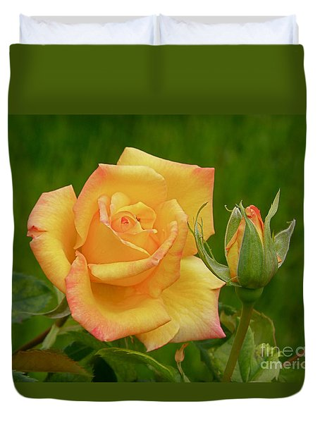 Yellow Rose With Bud Duvet Cover