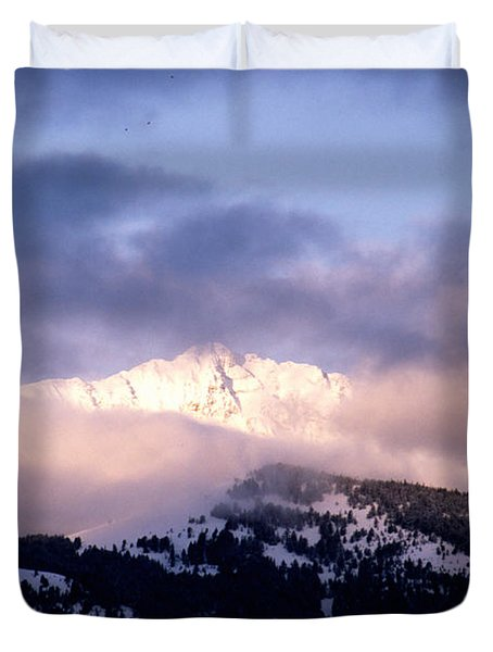 Duvet Cover featuring the photograph Yellowstone Morning by Sharon Elliott
