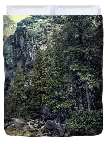 Yosemite Falls In Yosemite Duvet Cover