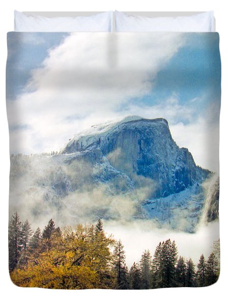 Yosemite Valley  Light Snow Duvet Cover