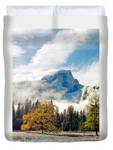 Yosemite Valley  Light Snow Duvet Cover