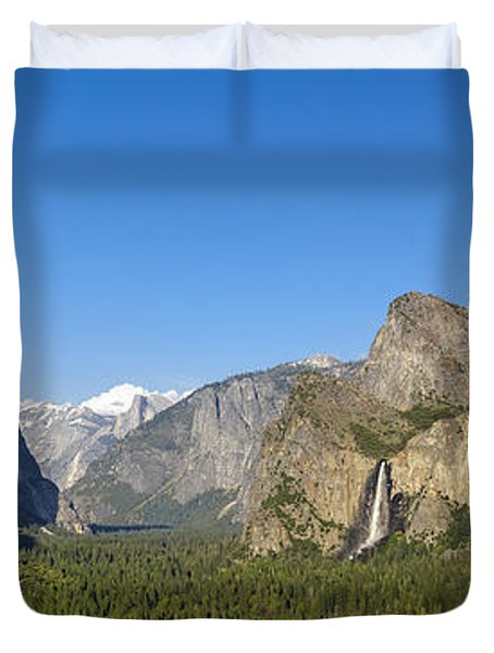 Duvet Cover featuring the photograph Yosemite Valley Moonrise by Steven Sparks