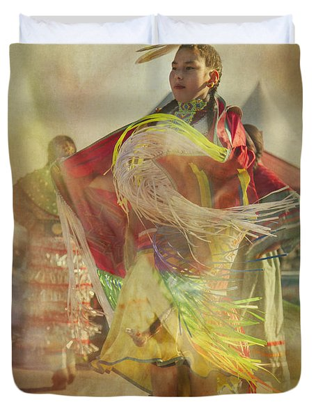 Young Canadian Aboriginal Dancer Duvet Cover