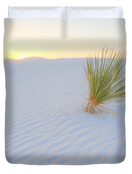 Duvet Cover featuring the photograph Yucca Plant At White Sands by Alan Vance Ley