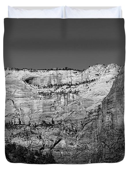 Zion Cliff And Arch B W Duvet Cover