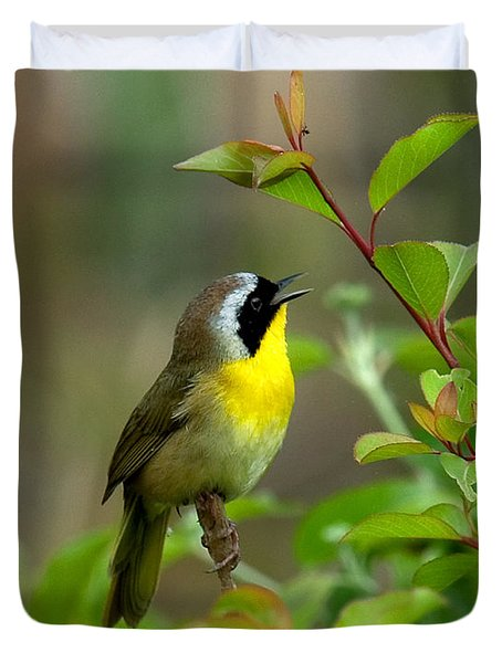 Duvet Cover featuring the photograph  Common Yellowthroat Warbler Warbling Dsb006 by Gerry Gantt
