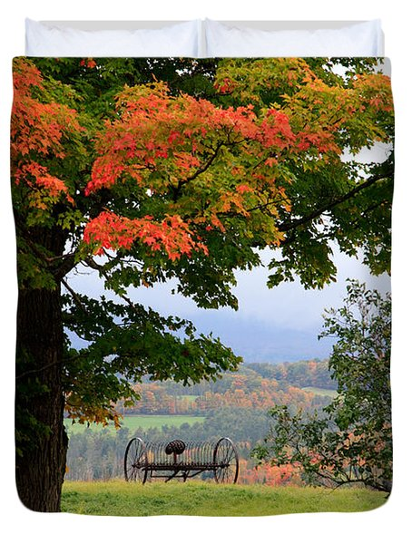 Duvet Cover featuring the photograph  Scenic New England In Autumn by Karen Lee Ensley