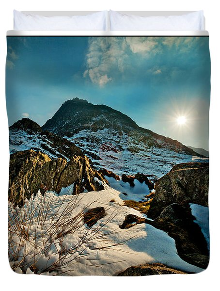 Spring Snows At Tryfan Duvet Cover