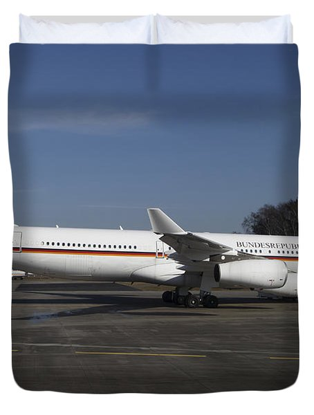 An Airbus 340 Acting As Air Force One Duvet Cover by Timm Ziegenthaler