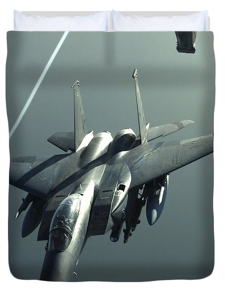 An F-15e Strike Eagle Flies Over Iraq Duvet Cover by Stocktrek Images