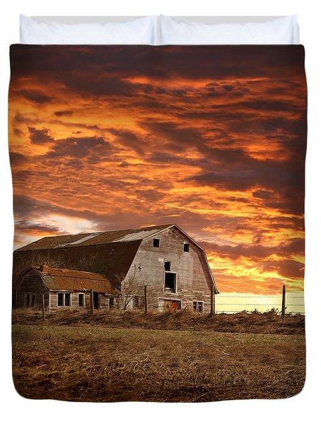 Barn On Highway 21 Duvet Cover