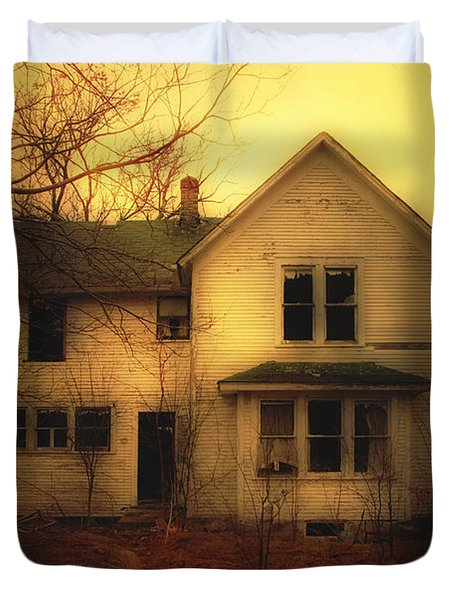 Creepy Abandoned House Duvet Cover by Jill Battaglia