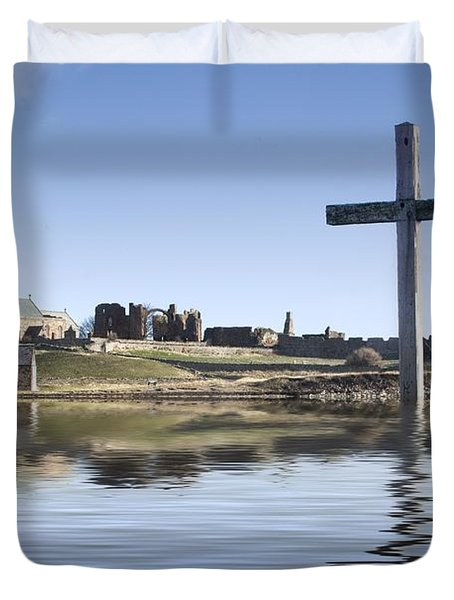Duvet Cover featuring the photograph Cross In Water, Bewick, England by John Short