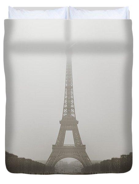 Foggy Morning In Paris Duvet Cover