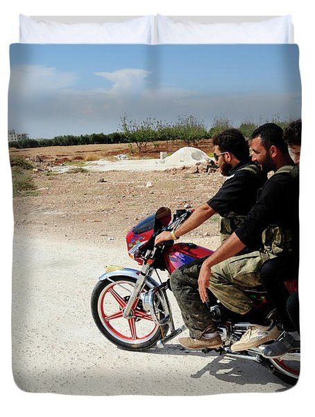 Men From The Free Syrian Army Duvet Cover by Andrew Chittock