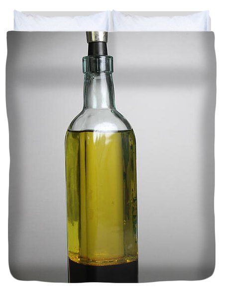 Oil And Vinegar Duvet Cover by Photo Researchers