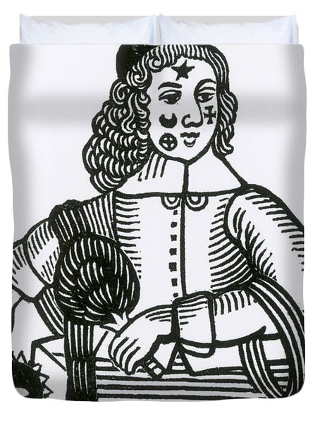 Ornamental Patches On Face, 17th Century Duvet Cover by Photo Researchers