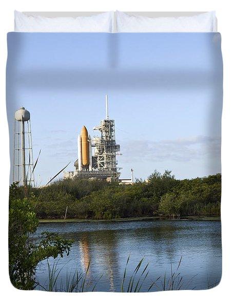 Space Shuttle Atlantis Sits Ready Duvet Cover by Stocktrek Images