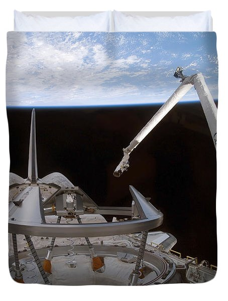 Space Shuttle Discoverys Payload Bay Duvet Cover by Stocktrek Images