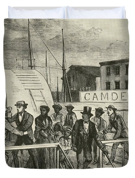 The Rescue Of Jane Johnson And Her Duvet Cover by Photo Researchers