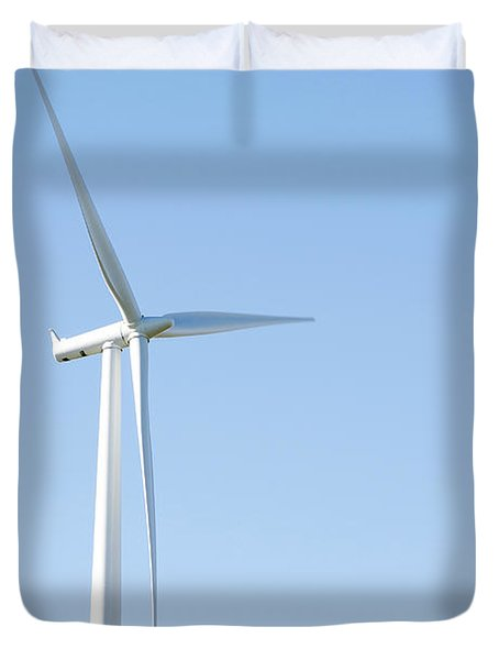 Wind Turbine  Duvet Cover by Les Cunliffe