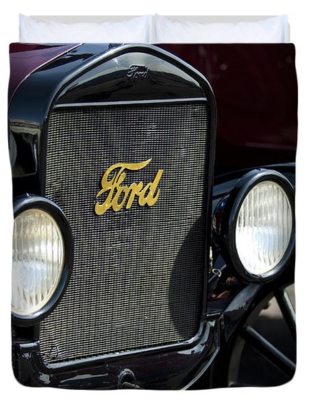 1925 Ford Model T Coupe Grille Duvet Cover by Jill Reger