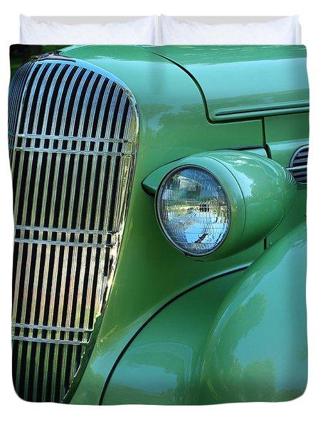 1935 Oldsmobile Grill Duvet Cover by Peter Piatt