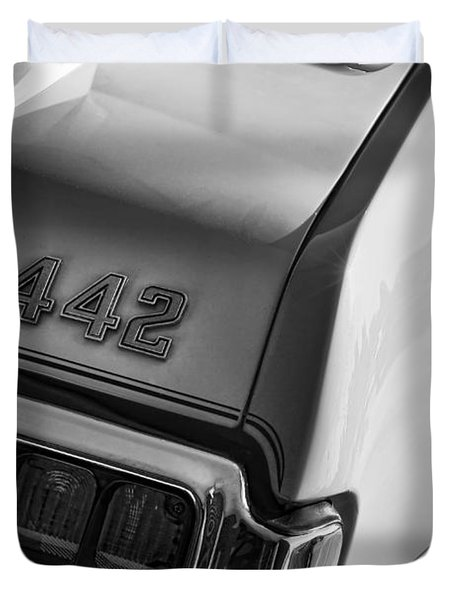 1972 Oldsmobile Cutlass 442 Duvet Cover by Gordon Dean II