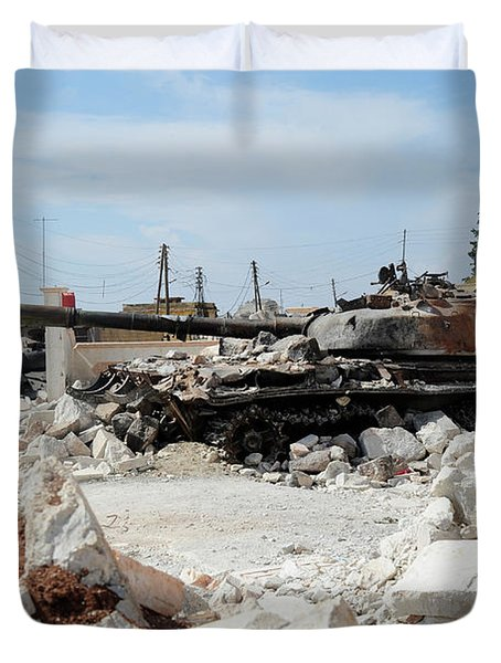 A Russian T-72 Main Battle Tank Duvet Cover by Andrew Chittock