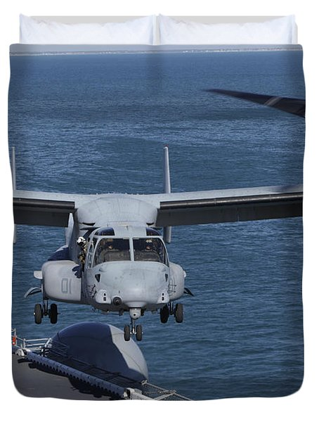 An Mv-22 Osprey Tiltrotor Aircraft Duvet Cover