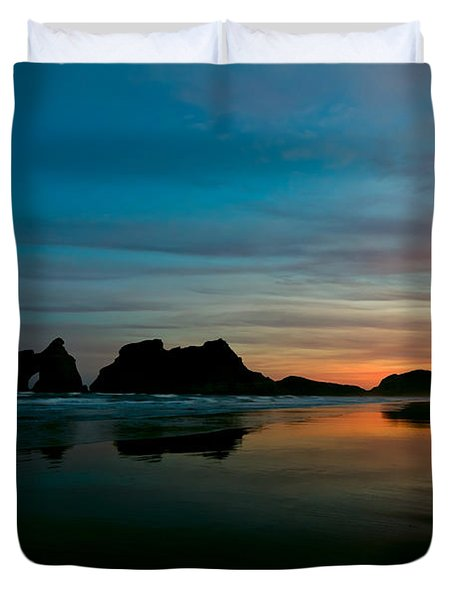 Golden Morning At A Beach  Duvet Cover