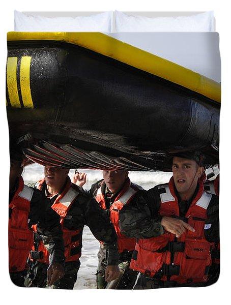 Students In Basic Underwater Duvet Cover by Stocktrek Images