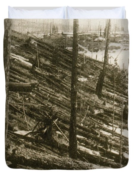Tunguska Event, 1908 Duvet Cover by Science Source