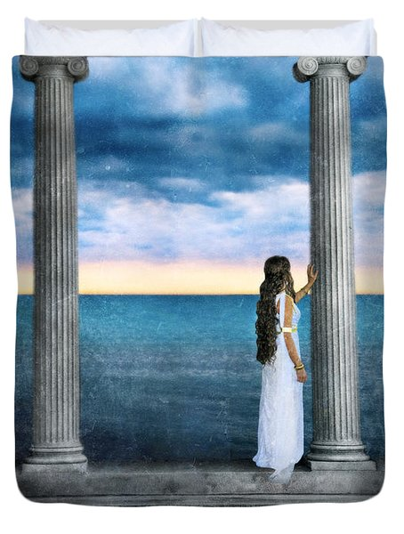 Young Woman As A Classical Woman Of Ancient Egypt Rome Or Greece Duvet Cover by Jill Battaglia