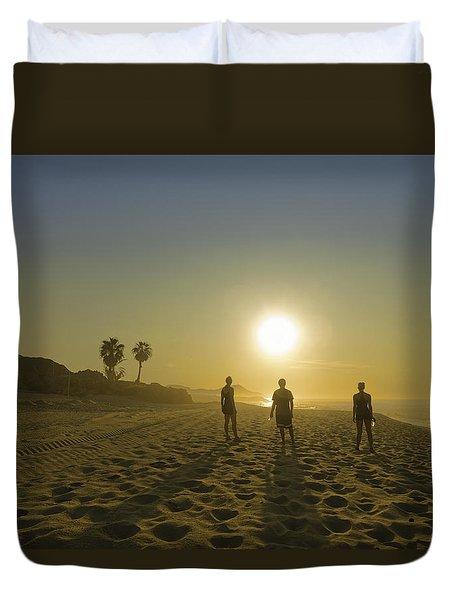 3 Aliens Duvet Cover