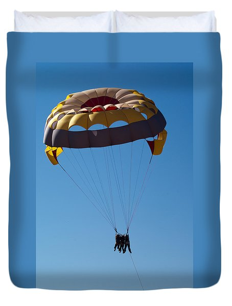 Duvet Cover featuring the photograph 3 People Para-sailing Pachmarhi by Ashish Agarwal