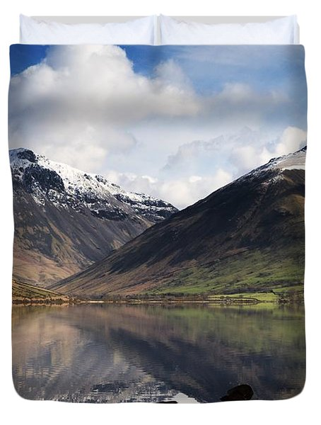 Mountains And Lake, Lake District Duvet Cover by John Short