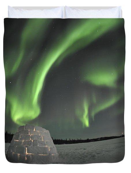 Aurora Borealis Over An Igloo On Walsh Duvet Cover by Jiri Hermann