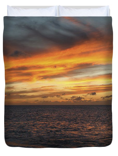 North Shore Sunset Duvet Cover by Vince Cavataio