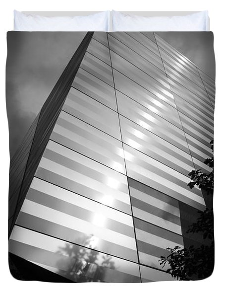 911 Memorial Museum Bw Duvet Cover by Teresa Mucha