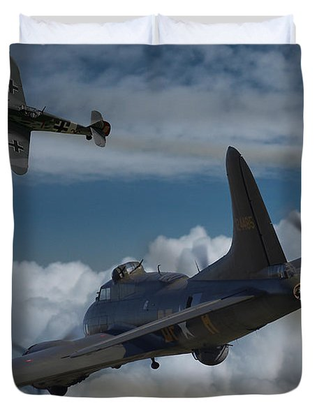 A Close Encounter Duvet Cover by Ken Brannen