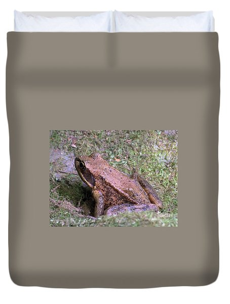 Duvet Cover featuring the photograph A Friendly Frog by Chalet Roome-Rigdon