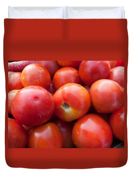 A Pile Of Luscious Bright Red Tomatoes Duvet Cover by Ashish Agarwal