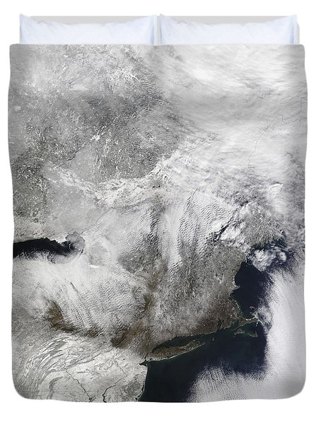 A Severe Winter Storm Duvet Cover by Stocktrek Images
